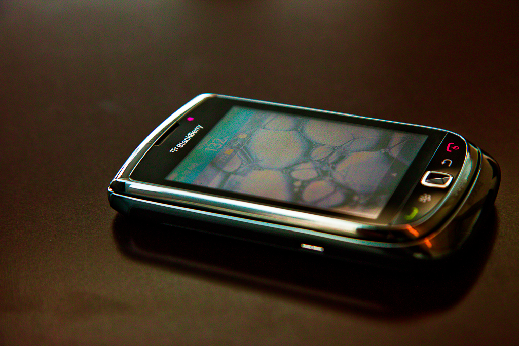 Blackberry Torch 9800 Price Drops to $99