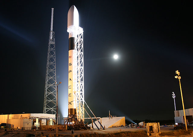 SpaceX delivers Dragon to Orbit