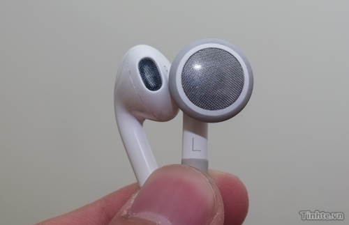 Apple to Redesign Earphones for iPhone 5