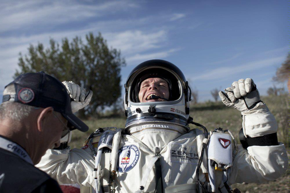 Felix Baumgartner has landed his Space Jump [LIVE]